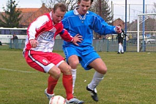 V Pate sa do leta súťažný seniorský futbal hrať nebude.