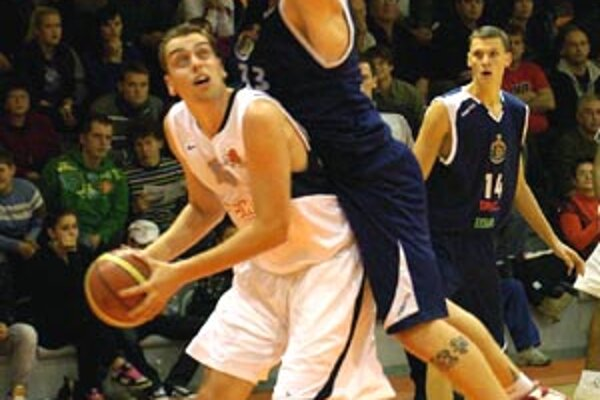 Nitrania vyhrali záverečný úsek zápasu 11:0, z toho deväť bodov dosiahol Stanislav Votroubek.