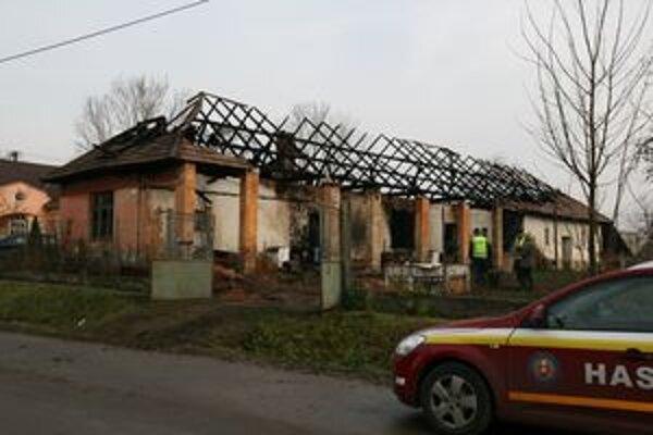 Tzv. Liptákov dom vo štvrtok 26. novembra ráno. Stále prebiehalo vyšetrovanie príčin požiaru.