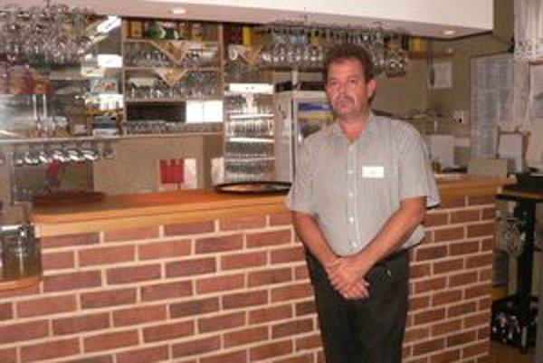 Andrej Bán zatvára reštauráciu skôr pre nízky počet klientov.