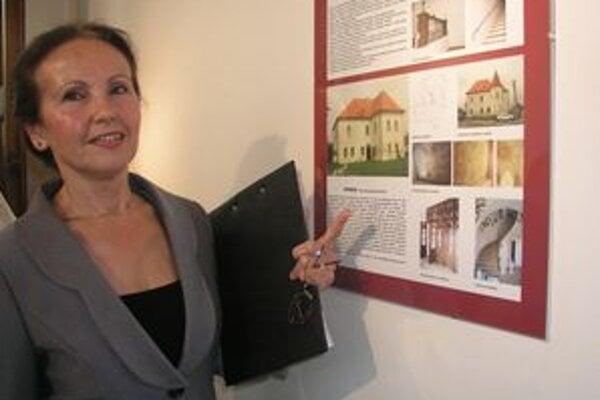 Výstavu priblížila riaditeľka Krajského pamiatkového úradu v Nitre Anna Valeková.
