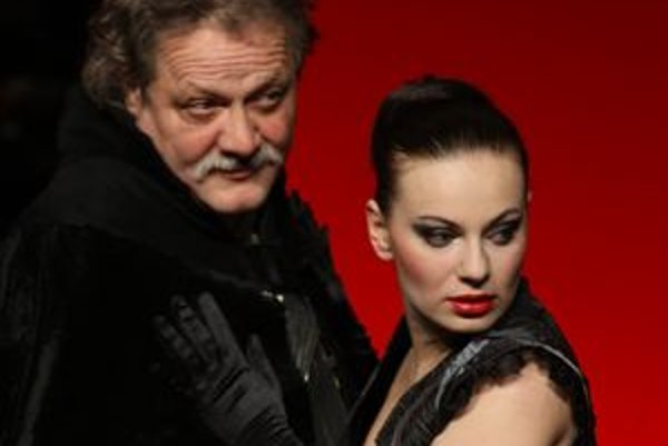 Renáta Ryníková si v Kráľovi Learovi zahrala postavu Regan po boku Mariána Geišberga.