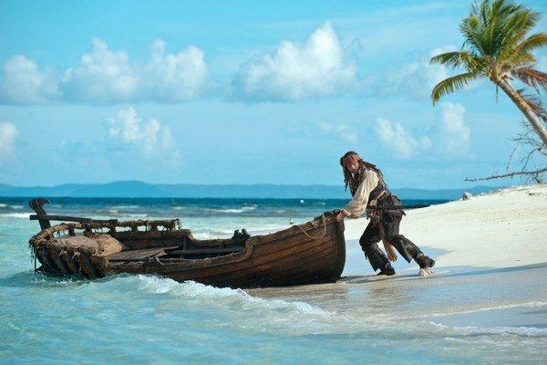 Piráti z Karibiku (2003 – 2011) sa filmovali na Bahamách, Grenade aj na Havaji. Tobago Cays v Karibskom mori sú obľúbenou lokalitou na potápanie.