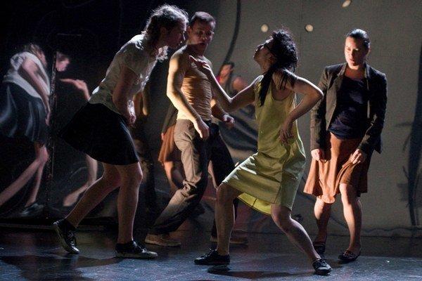 Inscenácia Informátori mala premiéru pred rokom v pražskom Divadle Ponec.