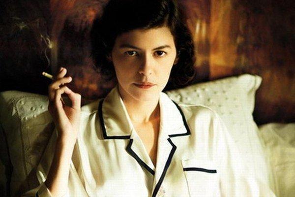 Audrey Tatout vo filme Coco Chanel.