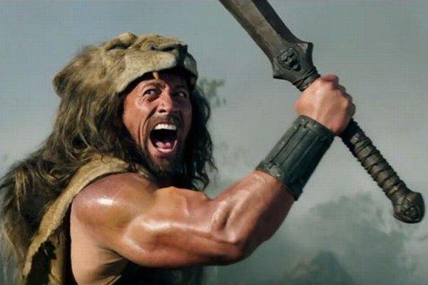 Dwayne Johnson (42) v hlavnej úlohe dobrodružno - historickej snímky Herkules (2014) režiséra Bretta Ratnera.
