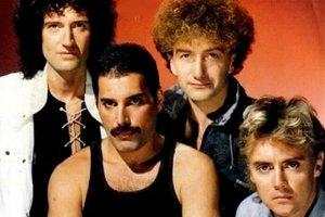 Skupina v pôvodnej zostave: Brian May, Freddie Mercury, John Deacon, Roger Taylor.