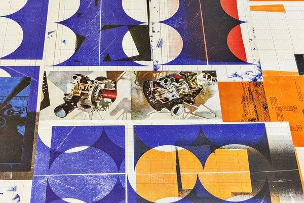 Detail inštalácie Svätopluka Mikytu v galérii Krokus. Výstava Variabilita turba potrvá do 20. júna.