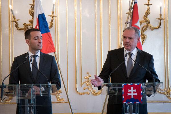 Prezident Andrej Kiska a minister zdravotníctva Tomáš Drucker počas brífingu po prijatí ministra zdravotníctva v Prezidentskom paláci.