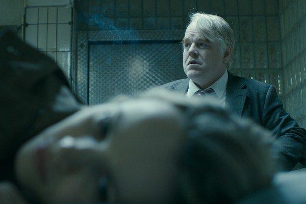 Philip Seymour Hoffman vo filme Antona Corbijn The Most Wanted Man. Hoffman zomrel  predčasne, vo veku 46 rokov. Podobnými stratami pre americkú kinematografiu boli smrť Rivera Phoenixa (23) a Heatha Ledgera (28). Prvý stihol hrať v dráme Gusa Van