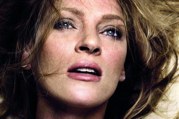 Uma Thurman (43) sa vracia na plátna kín ako Mrs. H v snímke dánskeho režiséra Larsa von Triera. Na snímke plagát k filmu.