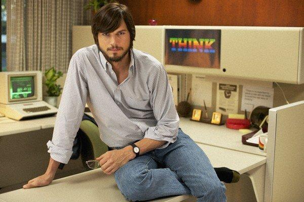 Ashton Kutcher ako Steve Jobs.