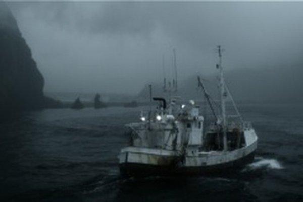 Plávať šesť hodín v ľadovom oceáne a potom bez topánok putovať po lávovej pustatine, znie ako sci-fi. Islandský režisér Baltasar Kormákur sfilmoval udalosť z roku 1984 a jeho snímka Hlboko sa v januári uchádzala o nomináciu na Oscara v kategórii cudzojazy