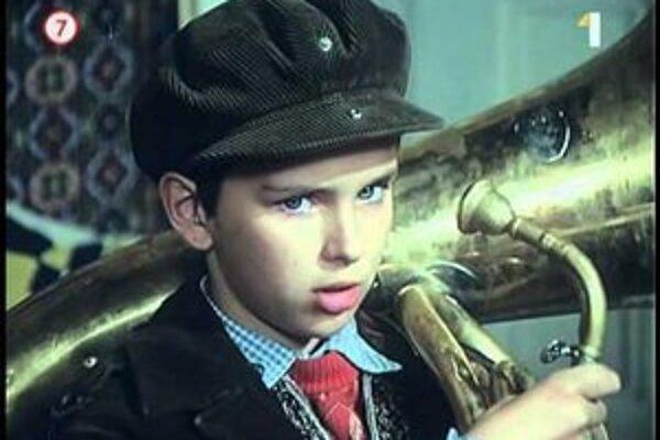 Malého Vinca vo filme Otec ma zderie tak či tak hral malý Pezinčan Peter Hološka