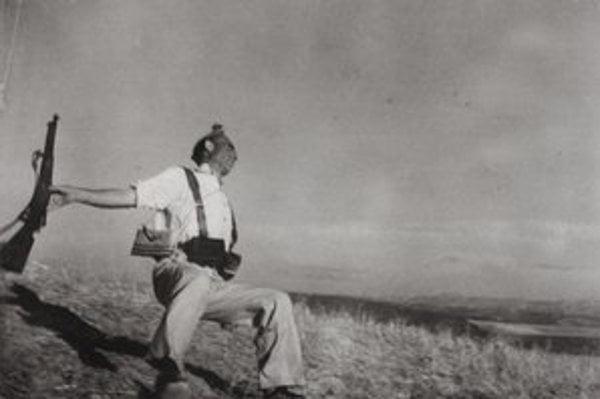 Smrť španielskeho republikána. Neďaleko Cerro Muriano (Front pri Cordobe). 5. september 1936, Zbierka Maďarského národného múzea (Magyar Nemzeti Múzeum)