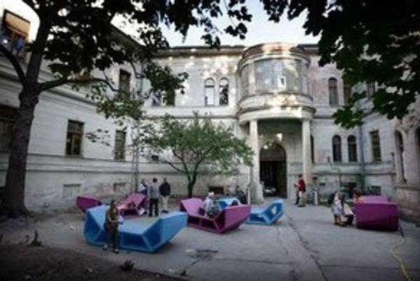 Bývalé Leninovo múzeum v Pisztoryho paláci v Bratislave opäť zaplní dizajn.