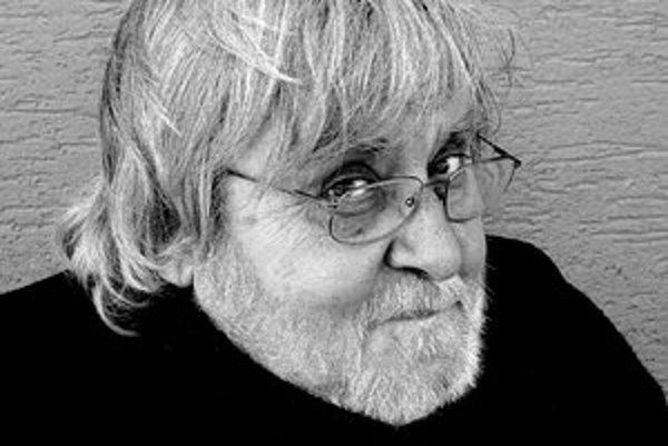 Juraj Bindzár ( 1943) je divadelný, televízny a filmový režisér a scenárista, autor rozhlasových a divadelných hier, publicista, pesničkár a básnik. Vydal knihy Krajina nespavosti, Zabi ma nežne a Šibenica pre malého muža. V súčasnosti píše najmä poviedky