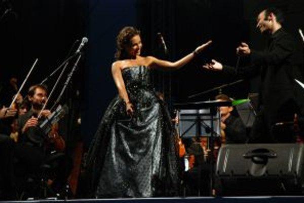 Adriana Kučerová a dirigent Ariel Zuckermann na festivale Viva Musica v roku 2007.
