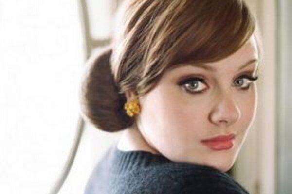 Speváčke Adele sa s albumom 21 darilo.