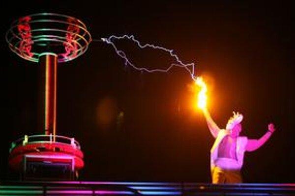 O jedno z najpôsobivejších vystúpení sa na tomto ročníku festivalu Ars electronica postaralo zoskupenie Tesla Orchestra.
