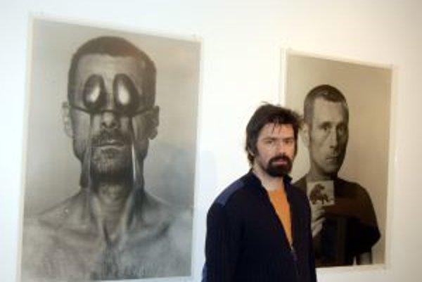 Ján Mančuška pri otvorení svojej výstavy ID - Ideal Identity v roku 2006 v New Yorku.