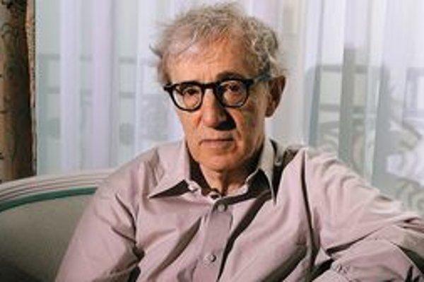 Woody Allen, vlastným menom Allen Stewart Konigsberg, sa narodil 1. decembra 1935 v New Yorku. Od 60. rokov napísal, režíroval alebo hral v takmer päťdesiatich filmoch. Trikrát získal Oscara: raz ako režisér (Annie Hallová), dvakrát za scenár (Annie H