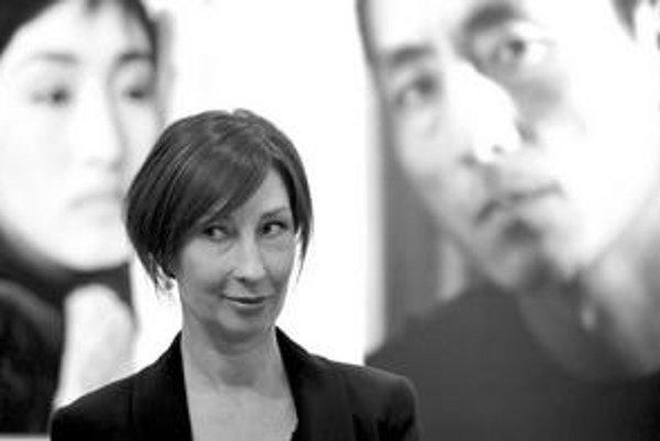 Lucie Gardin má výbornú slovenčinu a taliansky temperament. Z Bratislavy odišla, keď mala tri mesiace, po sovietskej invázii. V Ríme najprv študovala hru na husle, fotografii sa venuje od roku 1989. Vlani získala prvú a druhú cenu za najlepší portrét v sú