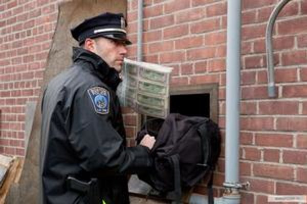 Film Mesto mal premiéru na festivale v Benátkach. Ben Affleck je jeho režisér a hrá aj lupiča bánk v hlavnej úlohe.