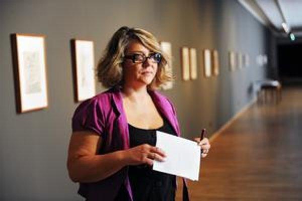 Lena Lešková tvrdí, že celý konflikt je úplne zbytočný, lebo stačilo podpísať zmluvu. Jej partneri tvrdia, že sa tomu vyhýbala.