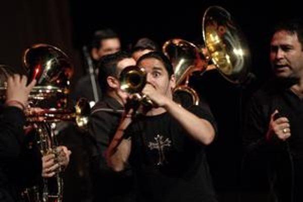 """K headlinerom patrí aj """"najuznávanejšia balkánska dychovka"""" Boban Markovic Orkestar."""