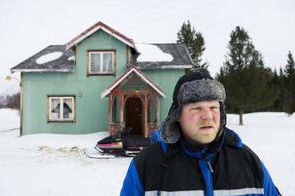 Obezita zvyšuje spotrebu snežného skútra, krátke dni zvyšujú šancu na depresie a z liekov na jej liečenie sa priberá. Lyžiar Jomar, obeť severského bludného kruhu.
