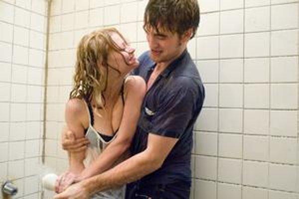 Scéna v kúpeľni je horúcejšia na fotografii než vo filme.