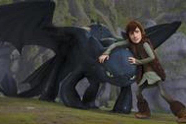 Tento chlapec na rozdiel od ostatných Vikingov vidí drakov ako ušľachtilé, krásne a priateľské bytosti.