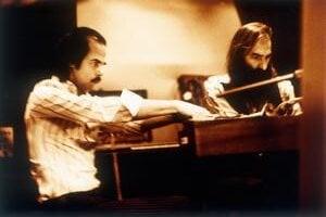 Mágovia filmovej hudby Nick Cave (vľavo) a Warren Ellis.