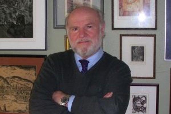 Peter Petro (1946) bubeník, spisovateľ, publicista, prekladateľ, univerzitný profesor. Hral v skupinách Beatmeni (pre ktorú písal aj anglické texty) a Prúdy. Absolvent Filozofickej fakulty v Bratislave (odbor anglický a španielsky jazyk). V roku 1968 emig