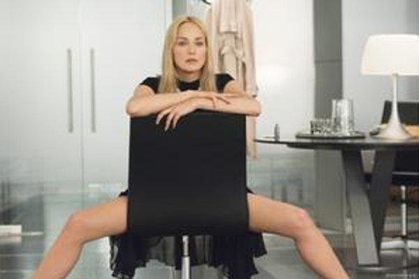 Sharon Stone zabáva Britov.