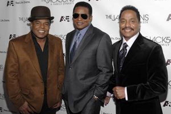 Bratia Jacksonovci (zľava doprava): Tito, Jackie a Marlon.