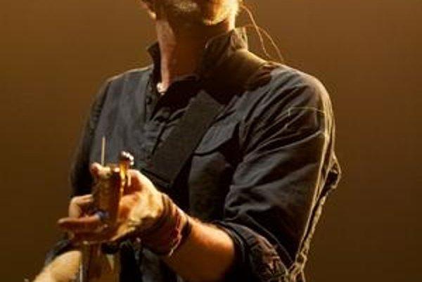 Coldplay majú šancu vraj aj kvôli tomu, že U2 si vlani dali nahrávaciu pauzu.