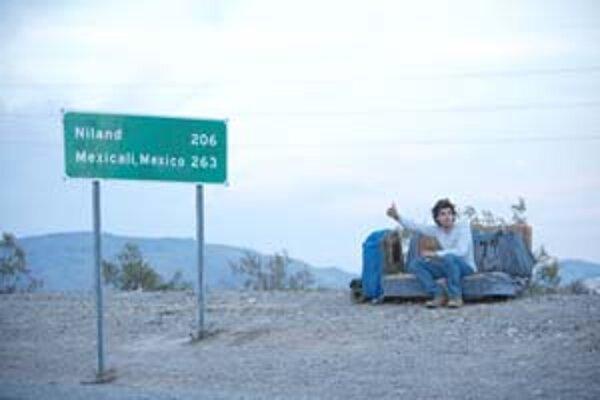 Útek do divočiny. Skúsil ho Christopher McCandless (Emile Hirsch). Kým mal silu, nazýval sa Supertramp.
