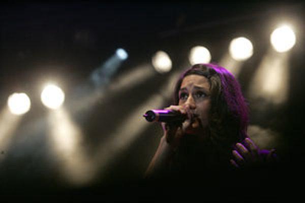Speváčka Jody Sternberg z britskej skupiny Morcheeba.