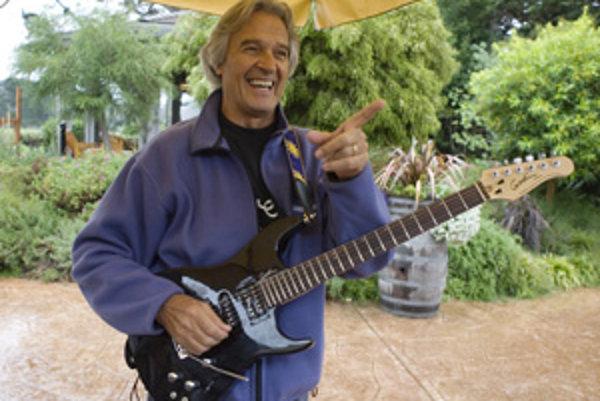 Gitarista John McLaughlin.