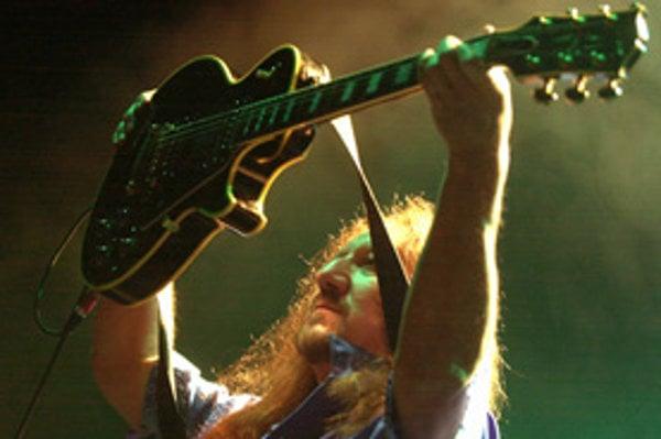 Gitarista britskej skupiny Uriah Heep Mick Box.