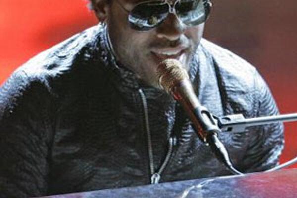 Nie každému sa podarilo vyhrať štyri roky za sebou prestížnu cenu amerických Grammy. Kravitz si populárny gramofónik odniesol v rokoch 1998 až 2002. Po celom svete sa predalo viac ako dvadsať miliónov nosičov s jeho hudbou a počas kariéry, ktorú odštartov