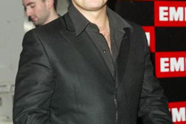 Na začiatku tohto roka Robbie Williams na svojom oficiálnom blogu fanúšikom oznámil, že v blízkej budúcnosti neplánuje žiadne turné. Navyše dodal, že do roku 2009 neuvažuje ani o vydaní nového albumu.