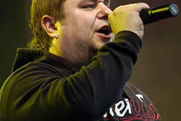 Spevák skupiny Desmod Mário Kollár, alias Kuly.