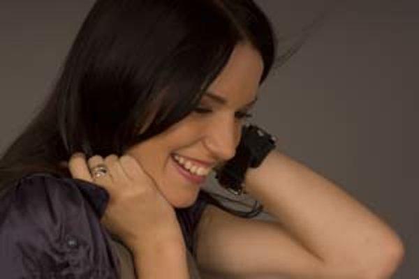 Zuzana Smatanová (1984) - speváčka, skladateľka, textárka. Narodila sa v Súľove - Hradnej, študovala na Pedagogickej a sociálnej akadémii v Turčianskych Tepliciach. V roku 2003 zvíťazila v súťaži Coca-Cola Popstar, nasledovali ceny Aurel (objav roka, 2003