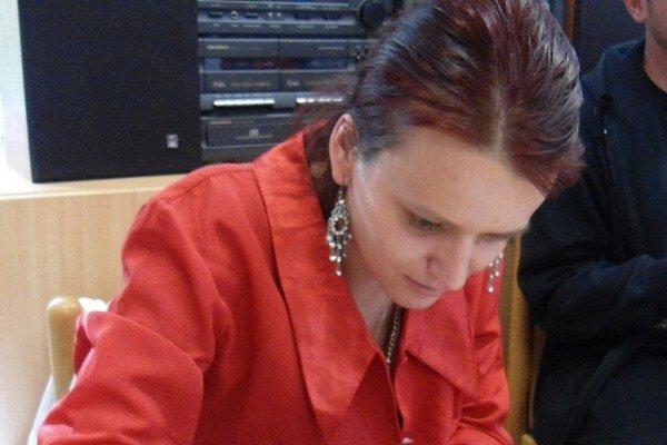 Alexandra Zelenayová počas autogramiády.