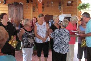 Na Ľubianskom stretnutí zablahoželali všetkým jubilantom z klubu dôchodcov v Oslanoch.