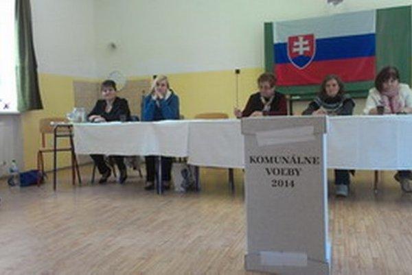 Z volieb v Piešťanoch.