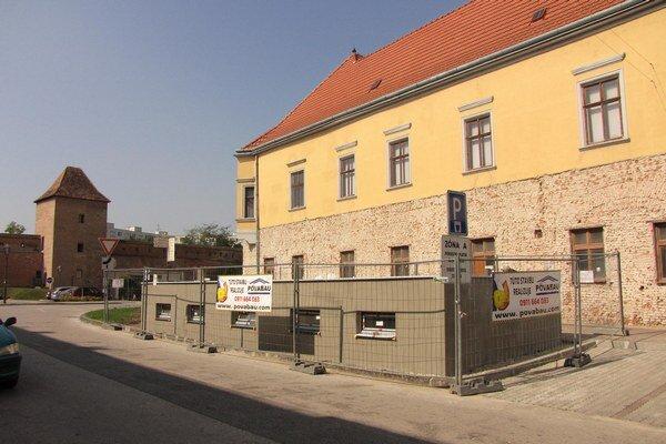 Do konca mesiaca plánujú otvoriť aj záchody na Radlinského ulici. V súčasnosti sa ešte dorábajú.